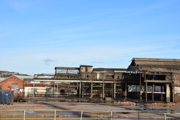 Landscape picture of the roofless factory
