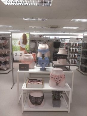 Knicker table showcasing new in + deal