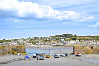 View of the harbour and Marazion